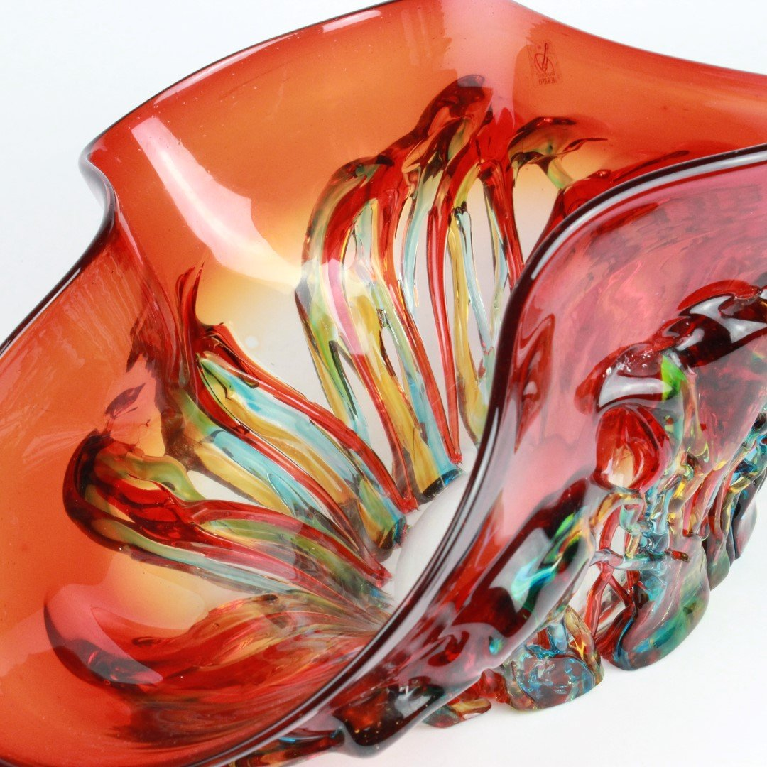 Sombrero red and green details glass centerpiece bowl
