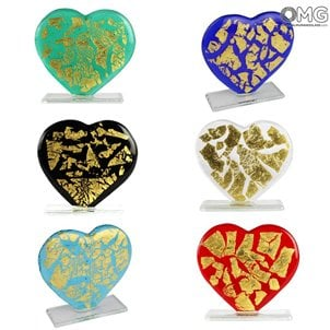 love_heart_with_gold_paperweight_murano_glass