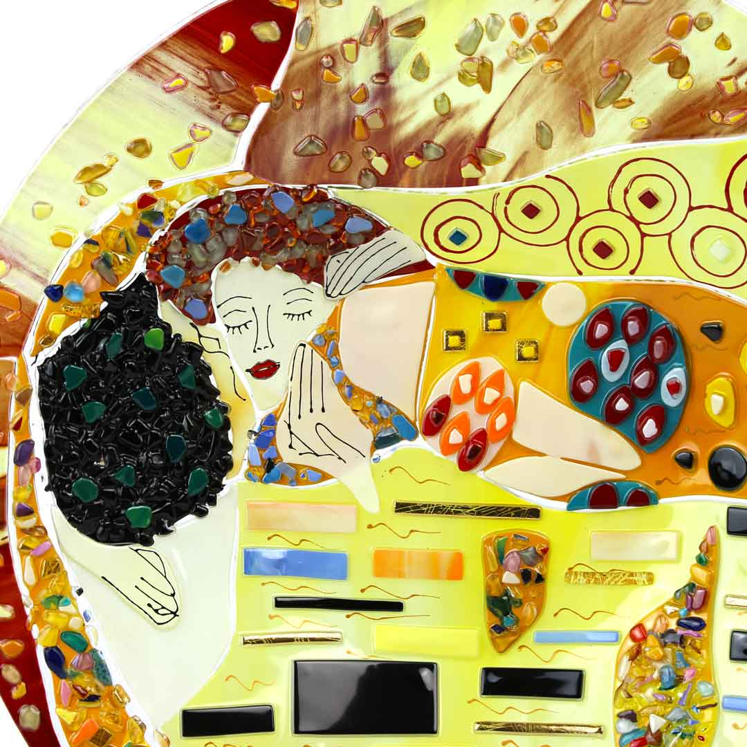 The Kiss Plate - Klimt Tribute - Round