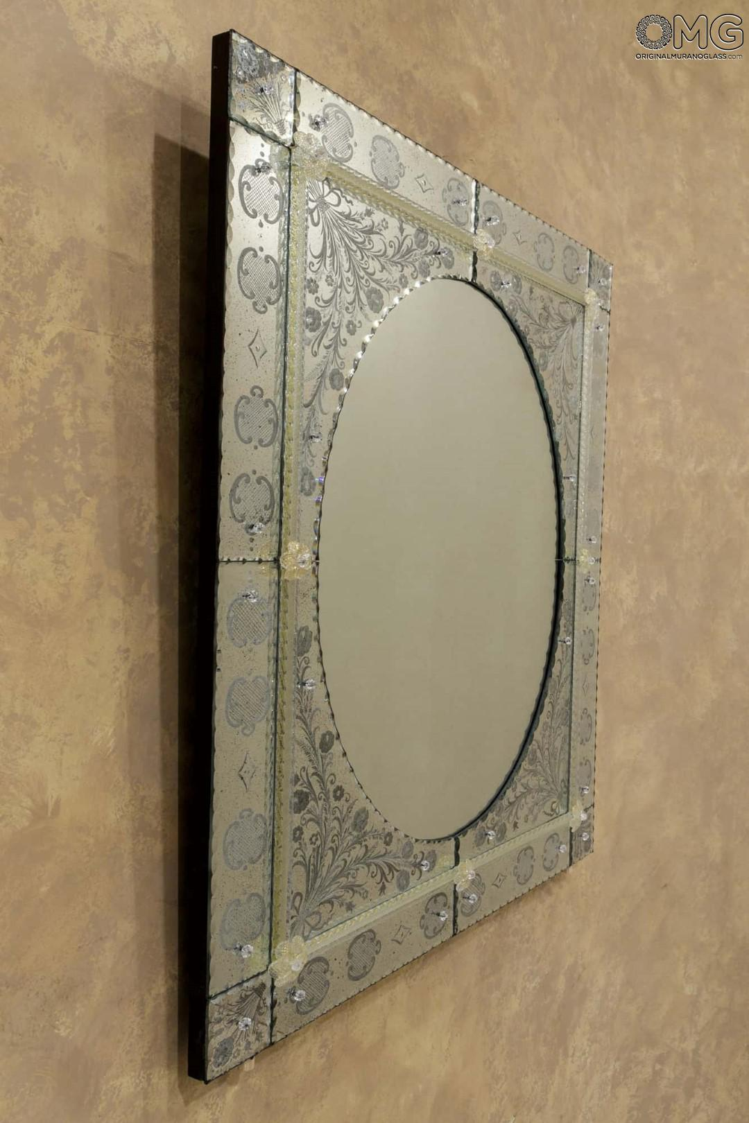 Spring Wall Venetian Mirror Engraved With Murano Glass
